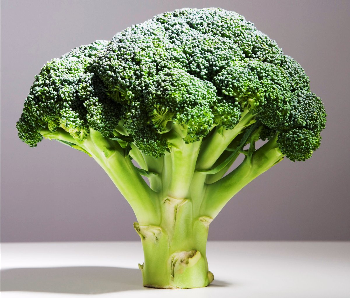 How This Broccoli Enzyme Can Slow Aging